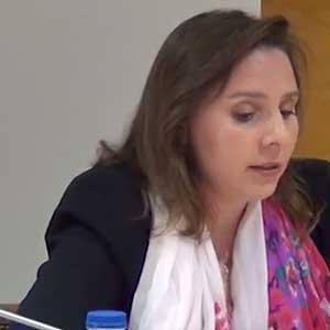 Dra. D.ª María Macías Jara
